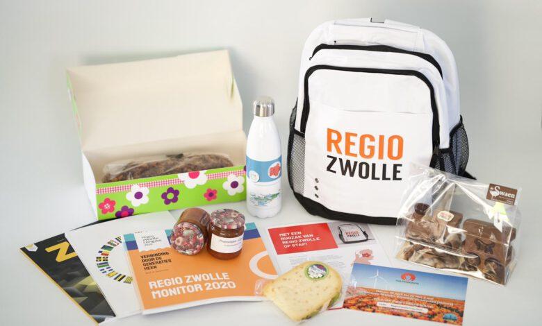 Photo of Beëdigde Kamerleden uit Regio Zwolle 'met een rugzak van Regio Zwolle op stap'