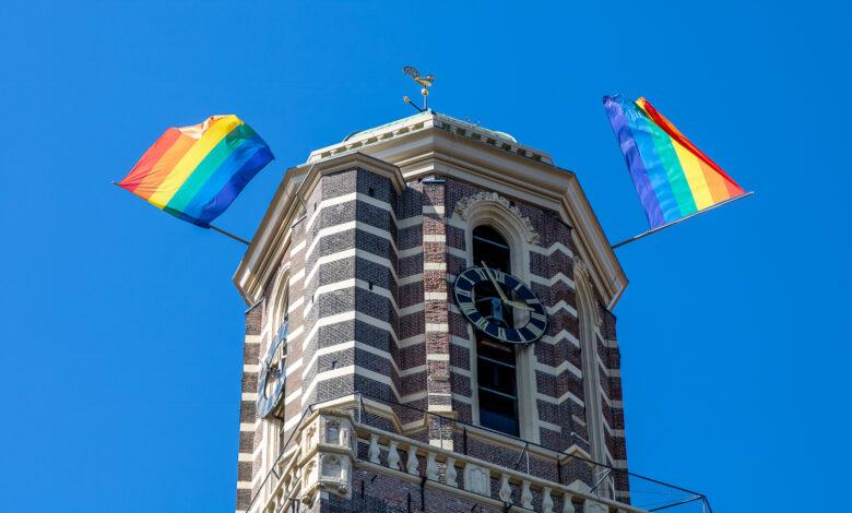 Photo of De regenboogvlag wappert ook vol trots in Zwolle