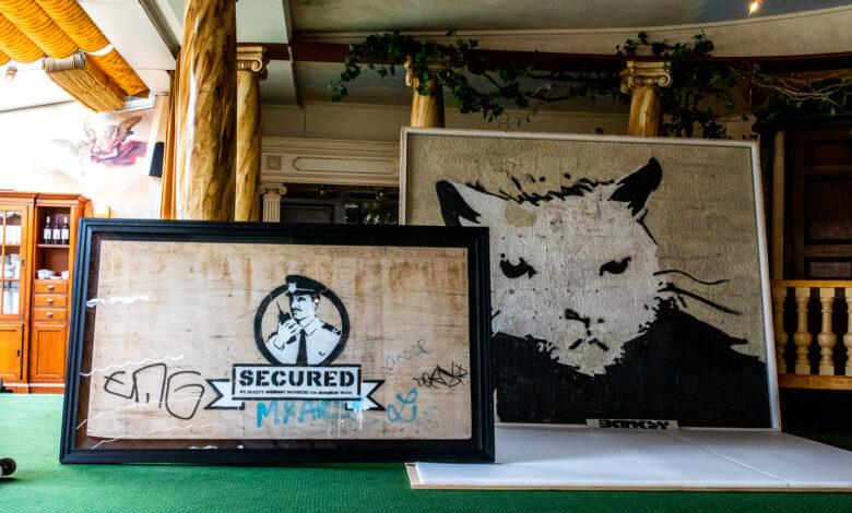Photo of Grootste Banksy via hijskraan veilinghuis bij Lichtmis ingetakeld