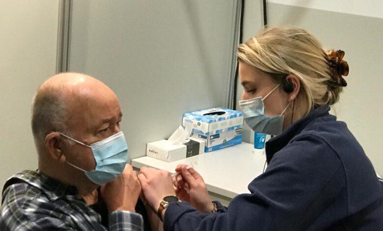Photo of Mbo-studenten vaccineren tegen corona in Zwolle