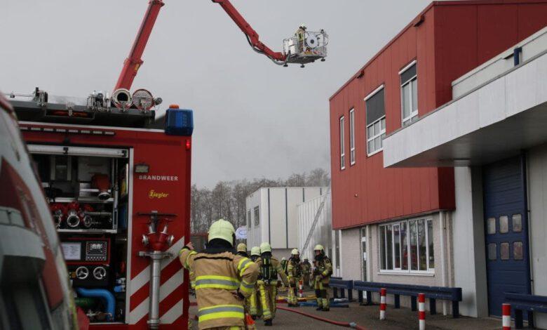 Photo of Zeer grote brand bij bedrijf in Hasselt