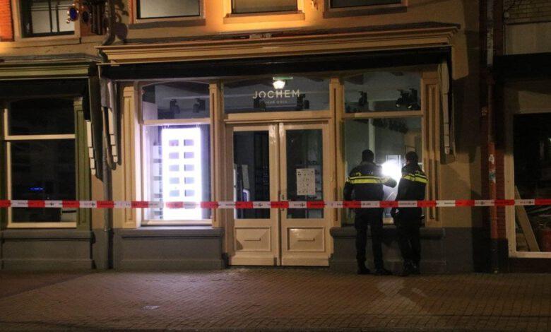 Photo of Ramkraak bij opticien aan de Vispoortenplas, 7 verdachten opgepakt in Amsterdam