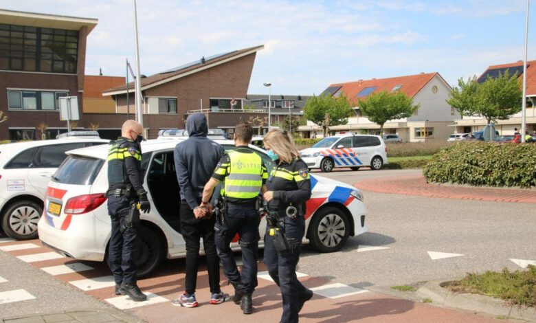Photo of Auto ramt lantaarnpalen in Kampen na achtervolging vanuit Zwolle