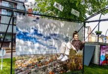 Photo of Tien schommels vormen een speelroute door binnenstad Zwolle