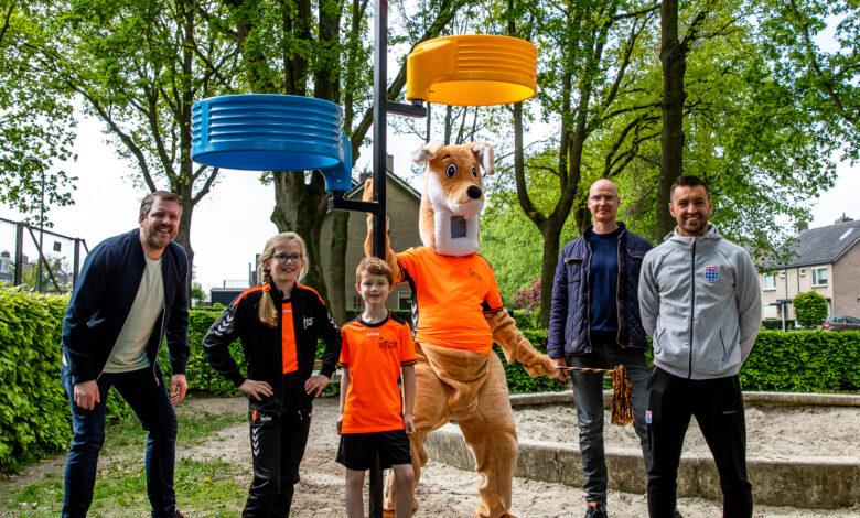 Photo of Ook bij OBS De Campherbeek staan nu korfbalpalen