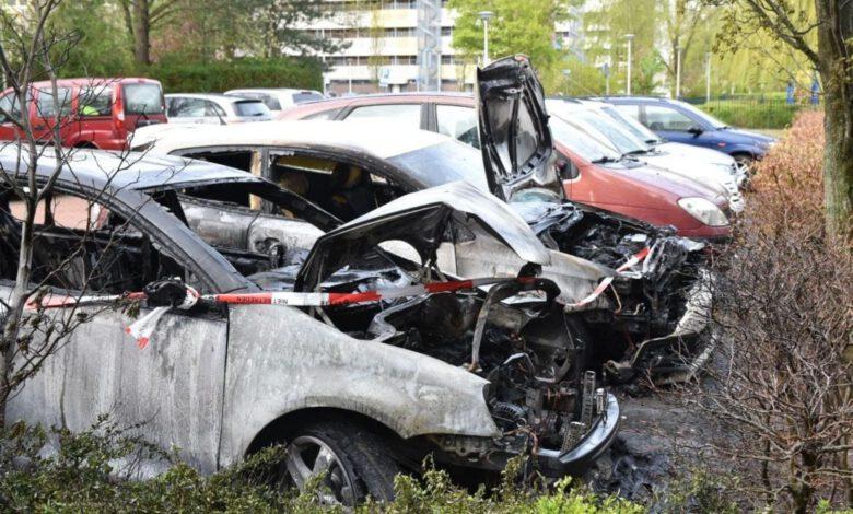 Photo of Brandweer rukt uit voor autobranden Zwolle