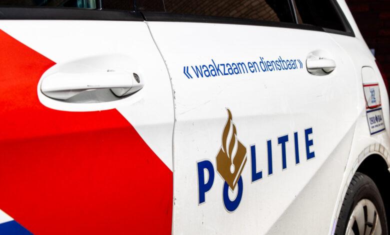 Photo of Baby van zes weken opgesloten in auto, politie schiet te hulp