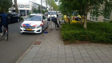Photo of Jeugdige fietsers botsen met elkaar in Zwolle, één gewonde
