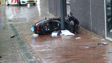 Photo of Scooterrijder en bijrijdster gewond bij aanrijding Spinhuisplein