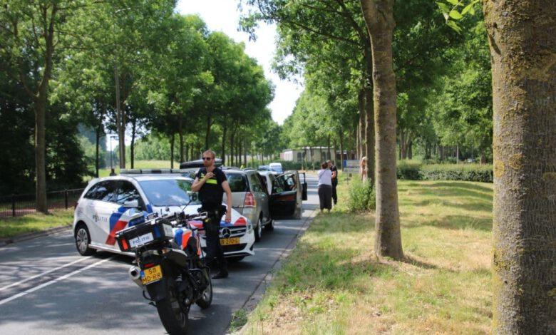 Photo of Lichtgewonde bij botsing met drie auto's op Middelweg
