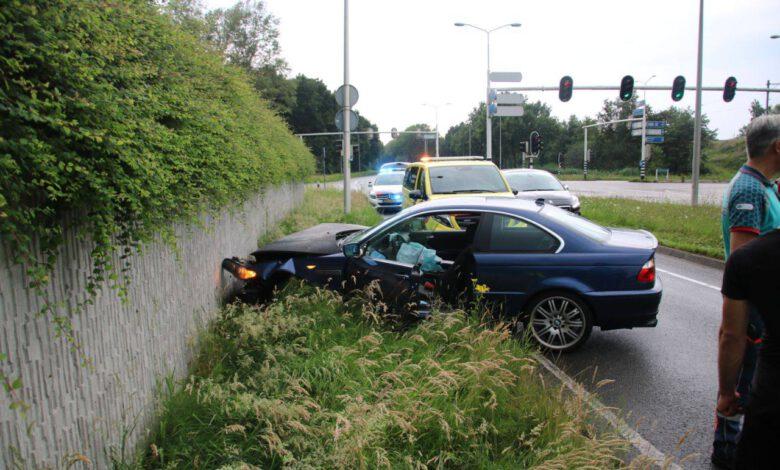 Photo of Auto overdwars op Wijheseweg