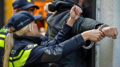Photo of Politie houdt drie verdachten aan in Zwolle na ramkraak