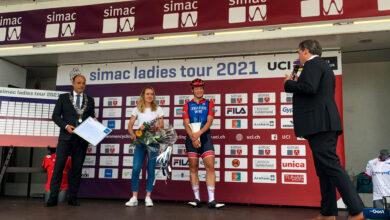 Photo of Wielrenner Anna van der Breggen krijgt Erepenning Zwolle