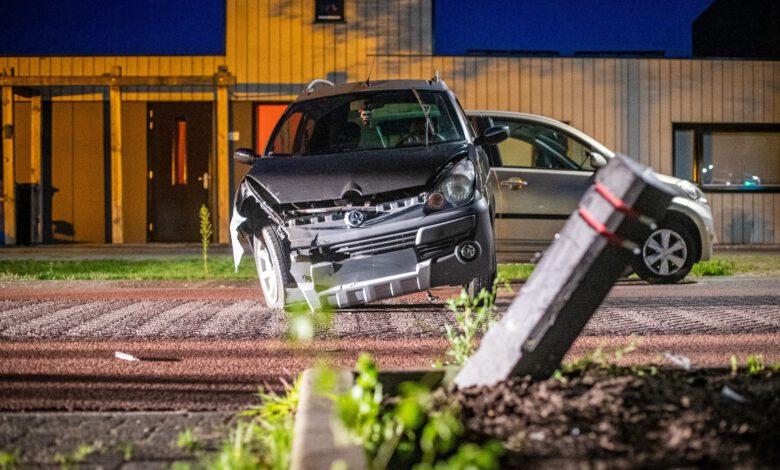 Photo of Beschonken bestuurder 45km auto ramt paaltje in Stadshagen