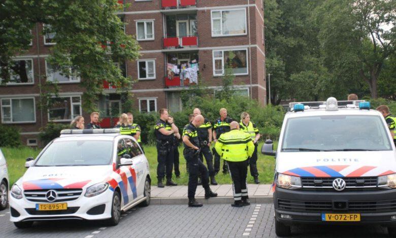 Photo of Politie voorkomt confrontatie tussen supporters van PEC Zwolle en Go Ahead Eagles