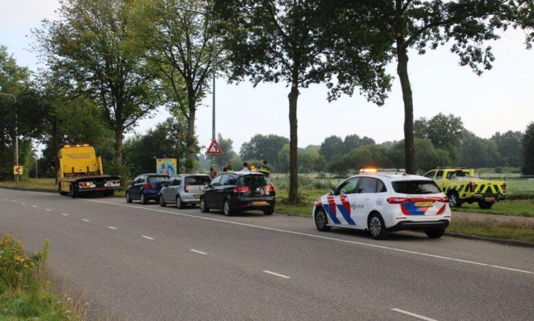 Photo of Auto's botsen achterop elkaar op Ceintuurbaan