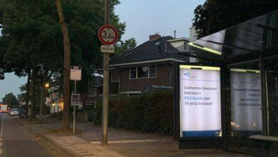 Photo of Ludieke actie: fans van PEC Zwolle beplakken bushokjes in Deventer