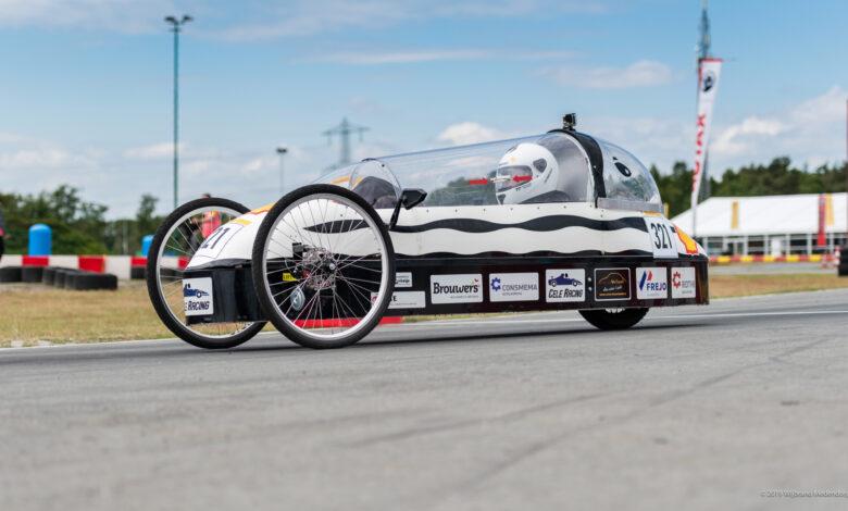 Photo of Elektrische racewagen Gymnasium Celeanum op circuit Zandvoort