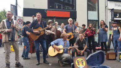 Photo of Eindelijk mocht het weer: De straat op in Zwolle!