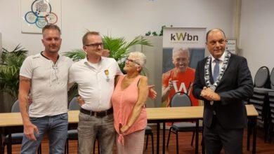 Photo of Peter van der Molen van de wandelvereniging geridderd