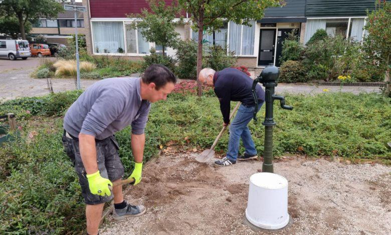 Photo of Burendagactiviteit – Nieuwe waterpomp voor in de speeltuin