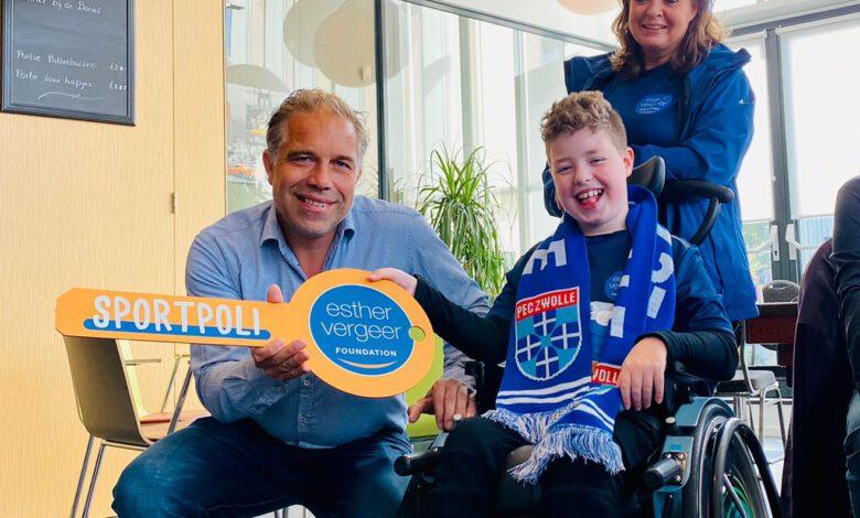 Photo of Esther Vergeer opent samen met Paralympische kampioen Sportpoli in Beatrix Kinderziekenhuis in Groningen