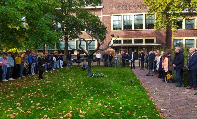 Photo of Herdenkingsbijeenkomst bij oorlogsmonument 'De Rozenboom'
