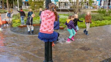 Photo of Groep 5 van de Parkschool gaat op 'superspons-expeditie' op Stationsplein Zwolle