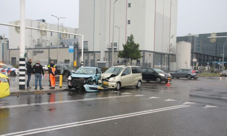 Photo of Gewonde en forse schade bij ongeval op Rieteweg